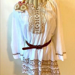White and tan embroidered Chico like new tunic